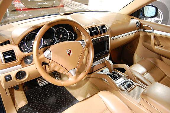 Porsche cayenne turbo s pris